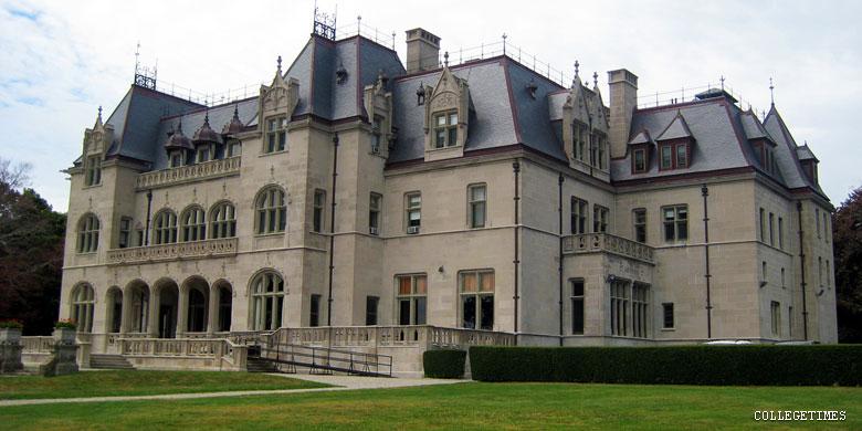 Housing Rhode Island College